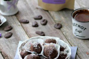 bomboane cu nuca de cocos, curmale si ciocolata fara zahar1