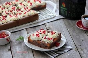 prajitura cu caise si coacaze rosii1